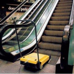 Cimex X46 eskalator profesjonalna maszyna do czyszczenia ruchomych schodów truvox