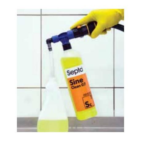 SM 4 przenośny system dozujący do precycyjnego rozcieńczania koncentratów z butelek 1L