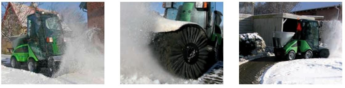 traktorek ze szczotką do odśnieżania
