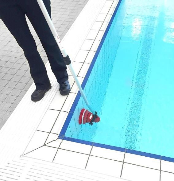maszyna szorująca zasilana bateryjnie do szorowania pod wodą