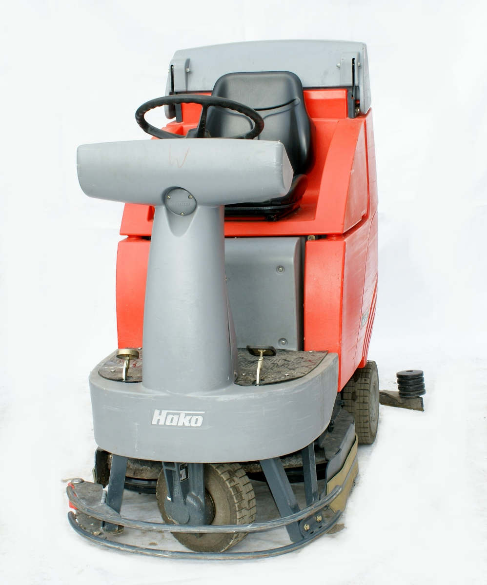 profesjonalna maszyna na wypożyczenie hako 750 b